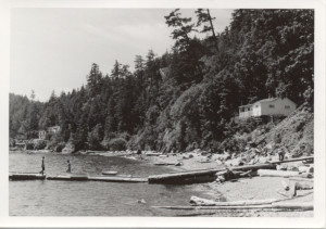 The beach and floats at Eagle Cliff. ca.1940
